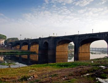 lloyd bridge
